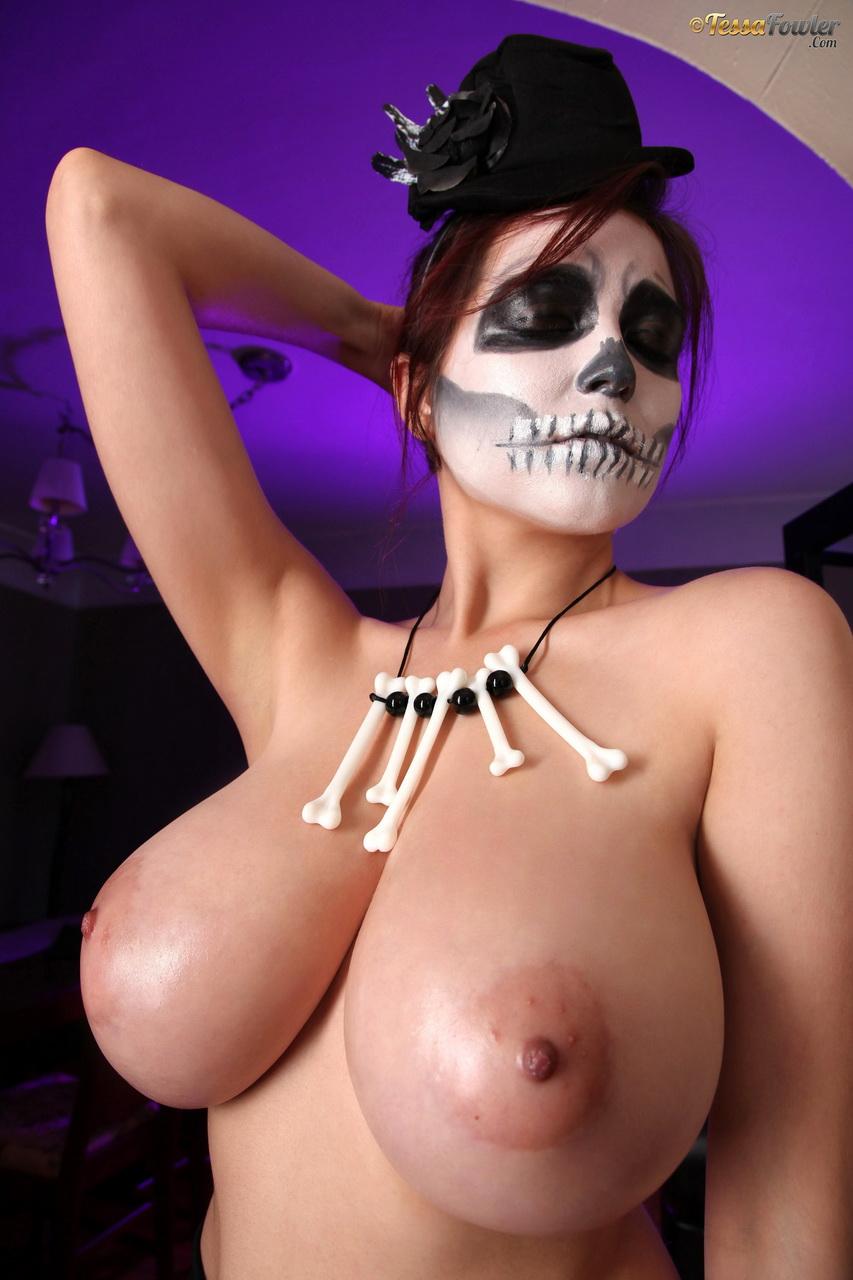 Halloween boobs